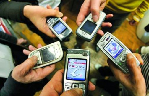 Tassa sui cellulari, nelle sedi 'Adiconsum-Valle Telesina' il modulo per il rimborso