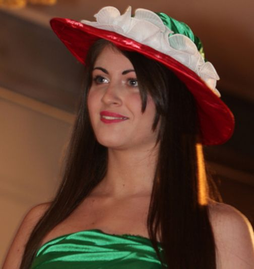 Alla più Bella Strega D'Italia omaggio al tricolore' di Rosalia Calandro