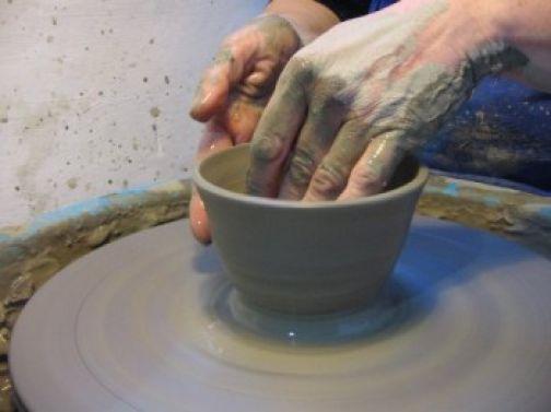 Cerreto: al via il concorso di ceramica 'Oltre l'Arcobaleno'