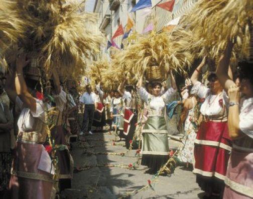 Foglianise, la banda della Guardia di Finanza apre la Festa del Grano