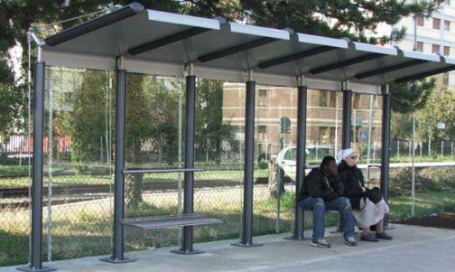 Vetere: 'A breve l'installazione della pensilina a via Gramsci a Pacevecchia'