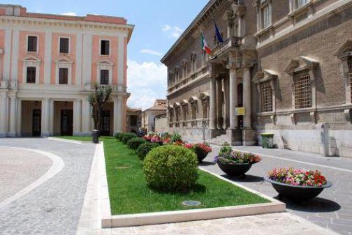 Al Convitto 'Giannone' incontro dell'Associazione 'Parliamone'