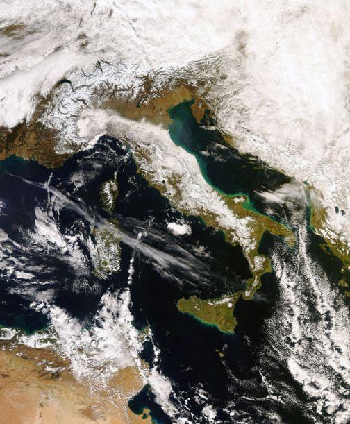 Marsec, immagine satellitare dell'Italia ricoperta di neve