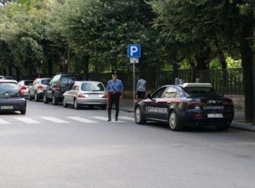 Benevento, studentessa molestata in villa. I carabinieri denunciano un 70enne