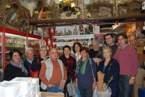 Gli Amici del Presepe di Benevento visitano il negozio Euro Bazar