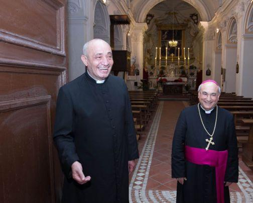 Casale Limatola, il vescovo di Caserta in visita alla Parrocchia Ognissanti