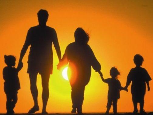 Affido familiare, il 14 ottobre al via il corso di formazione per famiglie e single
