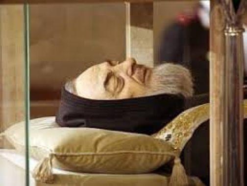 Esposizione spoglie di San Pio , collegamenti Eav  11-14 febbraio 2016
