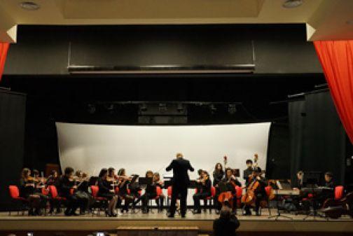 Grande successo dell'Orchestra Sirio diretta dal M°Sergio Fanelli