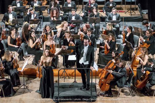 «In punta di cuore», il trionfo della grande Musica e dell'Orchestra Filarmonica di Benevento