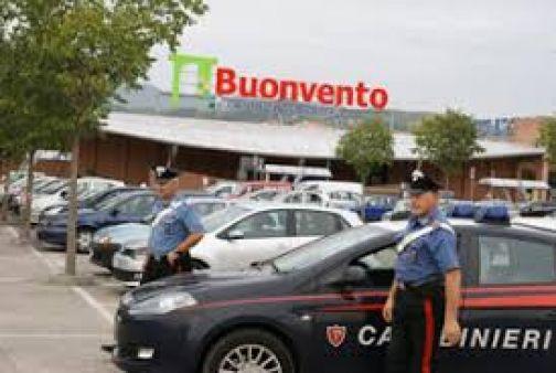 Centro Commerciale, Carabinieri sventano un furto: nel mirino una gioielleria