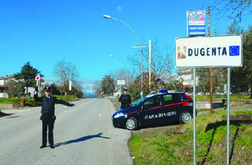 Dugenta, discarica abusiva con rifiuti speciali: area sequestrata dai Carabinieri