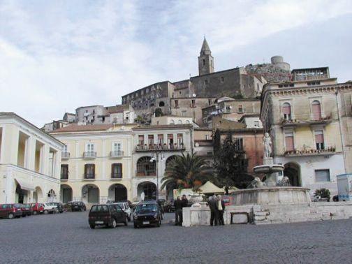 """Montesarchio: fondi per 1,4 milioni da Regione. Damiano e Striani: """"Risolveremo problemi idrici della zona alta"""""""