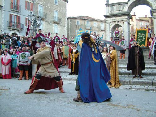 """S. Croce del Sannio, riprende vita domenica – per Carnevale – il torneo equestre """"La Pace"""""""
