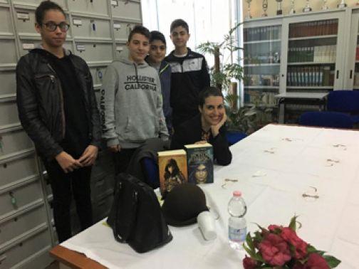 Gli alunni della 'Torre' incontrano Licia Troisi