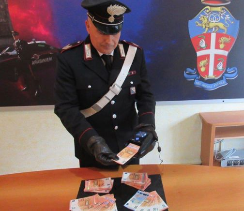 Benevento, arrestati due spacciatori di banconote false: trovati in possesso di 20.000,00 euro!