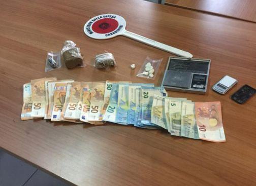 Paolisi, 50enne arrestato dai Carabinieri per spaccio di sostanze supefacenti