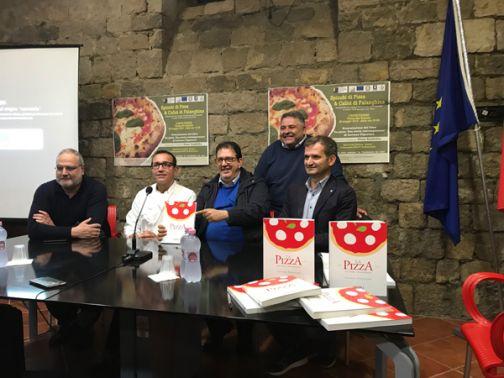 Pizza e falanghina per la serata finale de 'La vendemmia dei libri'