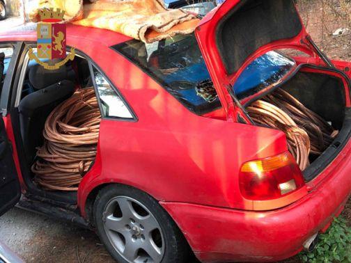 Intercettati da una volante, ladri di rame si danno alla fuga