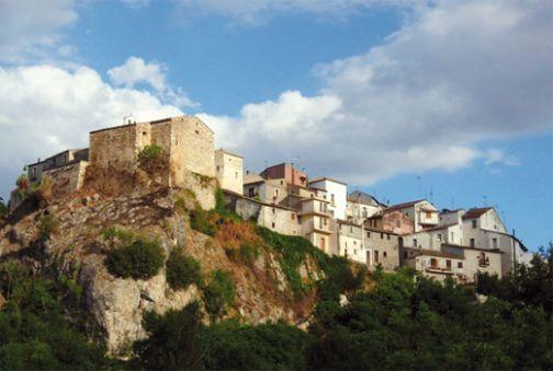 Pellegrinaggio Pietrelcina-Assisi: convegno sulla crisi delle aree interne appenniniche