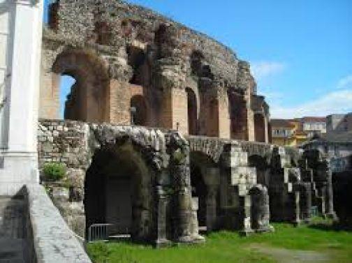 Al Teatro Romano il primo appuntamento di 'Paese in vetrina'
