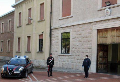Covid-19 e emergenza sociale: Caritas e Carabinieri per distribuire aiuti alimentari
