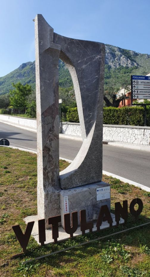 Vitulano dedica l'edizione del Simposio di scultura a Fabrizio Lorenzani