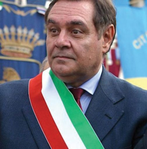 Il sindaco Mastella a confronto con parrucchieri, barbieri e titolari di saloni estetici