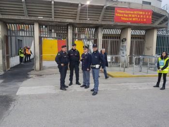 polizia-e-cc-stadio